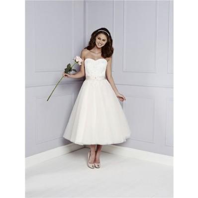 Classic A Line Princess Sweetheart Tea Length Tulle Lace Beaded Beach Wedding Dress Belt