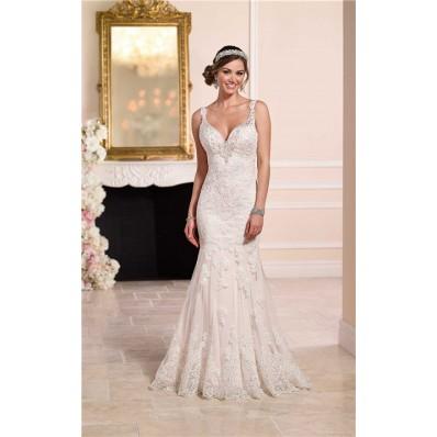 Elegant Mermaid Sweetheart Backless Vintage Lace Wedding Dress With Straps