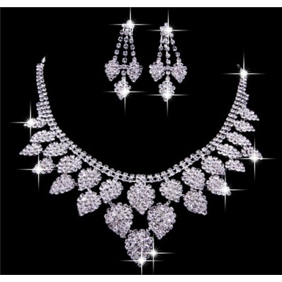 Luxurious Shining Alloy crystal Wedding Bridal Jewelry Set,Including Necklace And Earrings