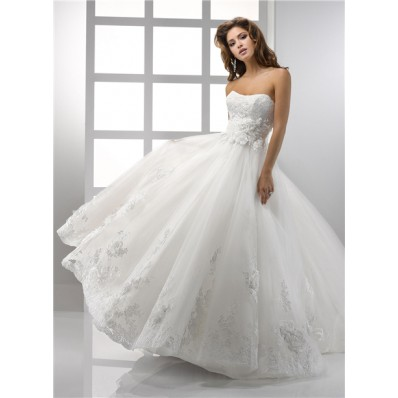 Pretty A Line Princess Strapless Vintage Lace Wedding Dress With Flowers Belt Bow