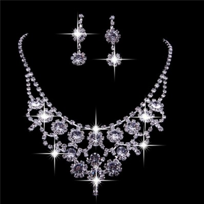 Shining Crystals Wedding Bridal Jewelry Set Including Necklace and Earrings 11 1