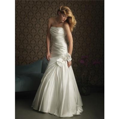 Simple Elegant Mermaid Strapless Satin Wedding Dress With Bow Ruching