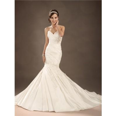 Trumpet/Mermaid sweetheart chapel train satin pleated wedding dress