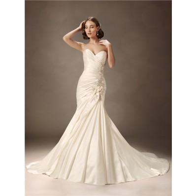 Trumpet/Mermaid sweetheart court train ivory satin wedding dress