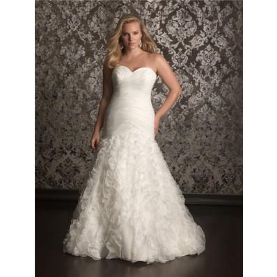 Trumpet/ Mermaid sweetheart chapel train organza plus size wedding dress with corset and ruffles