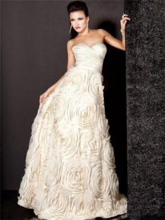 A Line Princess Sweetheart Long Ivory Evening Wear Dress With Flowers