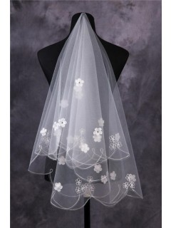 Beautiful Tulle Ruffled Fingertip Length Wedding Bridal Veil With Flowers