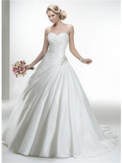 Simple Ball Gown Strapless Taffeta Ruched Wedding Dress With Buttons
