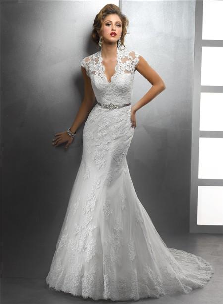 Elegant Mermaid Scalloped V Neck Vintage Lace Modest Wedding Dress With Crystal Sash Buttons
