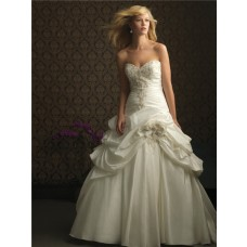 Ball Gown Sweetheart Ivory Taffeta Beaded Sequins Wedding Dress With Train