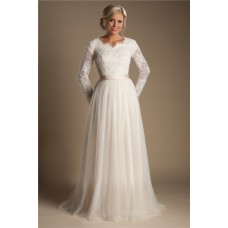 Modest A Line Long Sleeve Champagne Tulle Lace Wedding Dress With Pearls Buttons