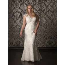 Elegant mermaid cap sleeve keyhole back sweep train lace plus size wedding dress
